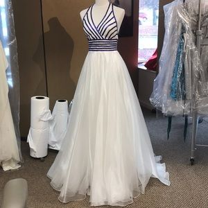 Johnathan Kayne White prom dress size 6